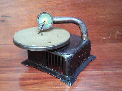 Antique Baby Jeannette Toy & Novelty Co tinplate wind-up gramophone