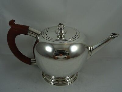 QUALITY, GEORGE I style solid silver TEA POT, 1932, 720gm - MAPPIN & WEBB