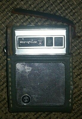 Westinghouse H-707P6GP AM Transistor Radio Vintage Green Leather Case TESTED