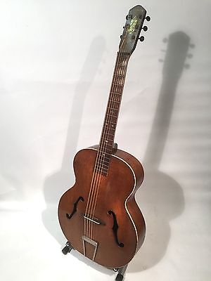 1930's / 40's vintage Harmony archtop guitar - great sound