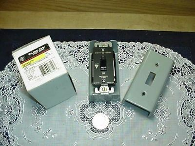 GE General Electric CR101Y1 Manual Motor Disconnect Starter Switch, NEW!