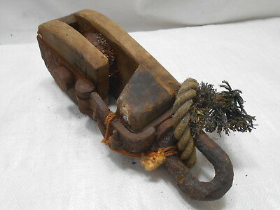 Vintage Wooden Ship's Pulley One Steel Wheel Hinged Top Japanese Rusted #179