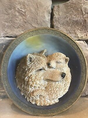 Wolf Plate By Suanti Galleries 3D Polyresin w/Table or Wall Hanger