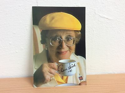 Thora Hird Hand Signed Autograph On A Colour Photo