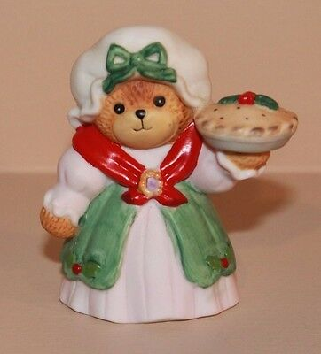 1987 Enesco Lucy Rigg & Me Christmas Dress Holly Pie Bonnet Holiday Figurine