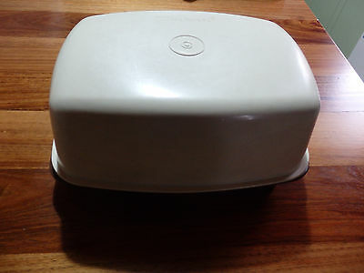 Medium Tupperware 2 piece Meat Dish/Server. Beige top with brown base