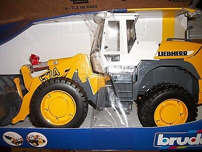 Bruder Toys Liebherr Articulated Road Loader L574 02430 Kids Play New Damaged