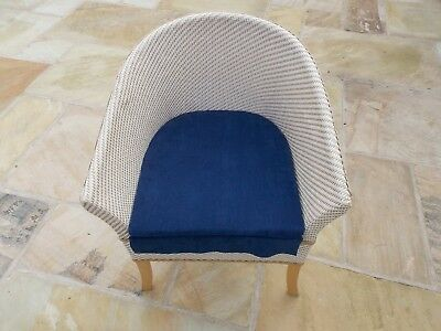 Commode Lloyd Loom style, cream and beige with blue cord detachable seat cover