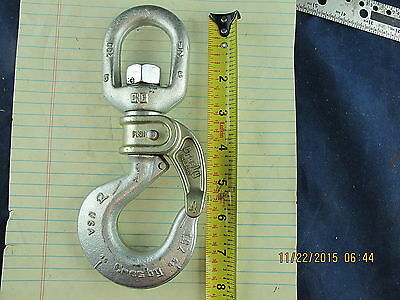 1.7 TON Self Closing Swivel Bullard Hook PIN-LOK CROSBY GOLDEN GATE 1050243  NEW