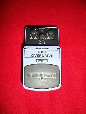 BEHRINGER TO100 Tube Overdrive Effetto overdrive a pedale