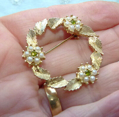 Jewellery Pretty Frosted Gold Wreath Brooch, Seed Pearls & Rhinestones 247