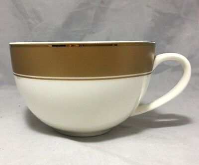 Starbucks 2006 holiday cappuccino porcelain cup  White Gold Holiday 12 Oz.