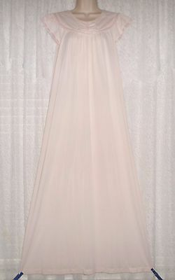 Vtg Pink Shadowline Embroidered Nightgown Gown Negligee Small