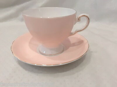 🌟 Royal Tuscan Wedgwood Pale Pink Peach Duo Tea Cup & Saucer