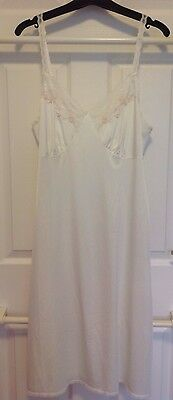 VINTAGE LADIES MARKS & SPENCER LIGHT CREAM LONG UNDERSLIP Size 14