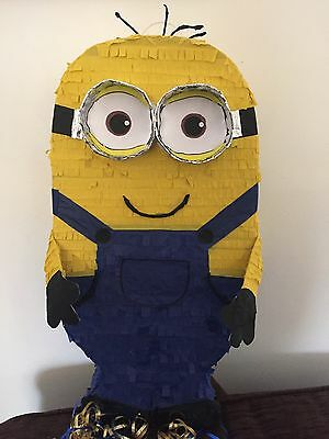 Minion  despicable me Pinata