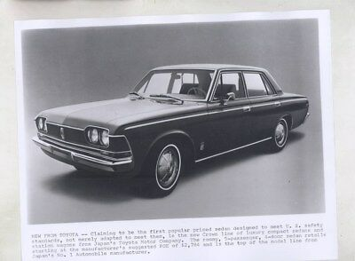 1969 ? Toyota Crown Sedan ORIGINAL Factory Photograph wy6336