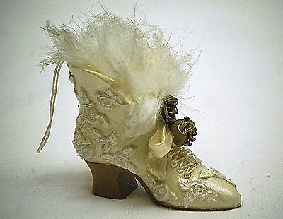 Victorian Style Mini FG Shoe Boot High Heel Roses Ornament Shadowbox Shelf Decor
