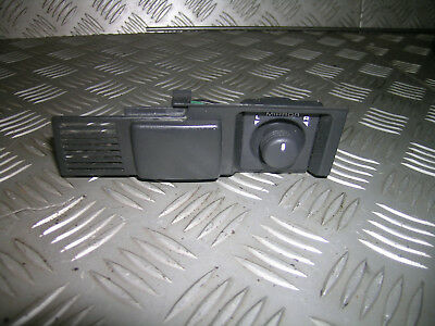 D2 S1 Land Rover Discovery mirror adjusting switch