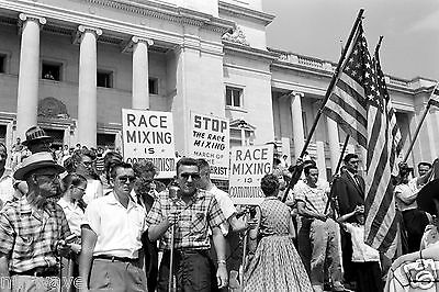 1959 Photo Little Rock-State Capitol-Protesting Integration Central High School