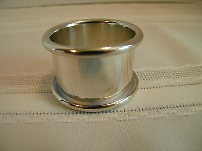 "Set of 4 ""NEW"" Oneida Silver Plate Napkin Rings"