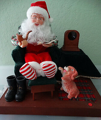 1995 Gemmy Animated Santa By His Radio and Dog Christmas Table Top Figure in Box