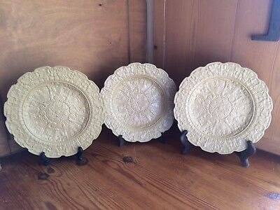 3 Drabware side plates pale yellow relief pattern