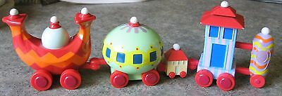 NINKY NONK TRAIN stamped IN THE NIGHT GARDEN Hasbro 2006 cars 3 to 4.5 inch long