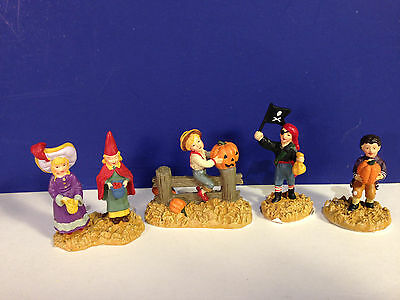 Dept 56 TRICK OR TREAT Set of 4 w/box Seasons Bay Village Combine Shipping!