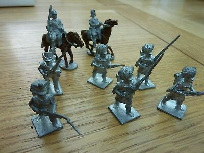 28mm DIE CAST SOLDIERS X 8 CROMWELL CAVALRY NAPOLEONIC HIGHLANDERS ETC