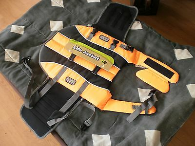 New Outward Hound Dog Life Jacket Large