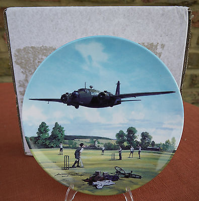 """Royal Doulton  """"Heroes of the Sky""""   Wellington Over the Boundary"""