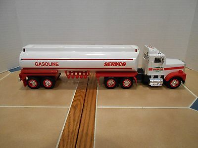 1991 Servco gas tanker,1:32 scale,NEW OLD STOCK,MINT!!