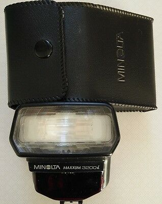 Flash for Konica Minolta / Sony DSLR 3200i ( Dynax / Alpha ) + pouch