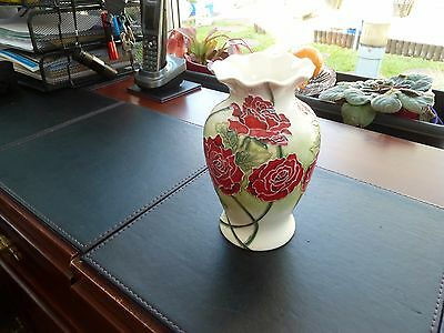 """OLD TUPTON WARE HAND PAINTED VASE height 6"""""""