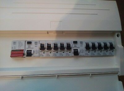 NEW MK PLASTIC ENCLOSURE 16WAY CONSUMER UNIT C/W SWITCH 2 x RCD'S AND 10 x MCB'S