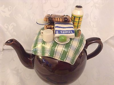 Cardew Collectable Novelty Large Betty Teapot Summer Picnic Perfect Condition