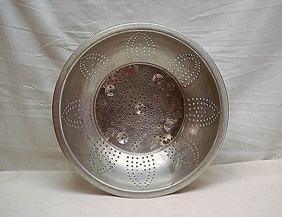 Old Vintage Sunflower Pattern Colander Strainer Cooking Kitchen Utensil Tool MCM