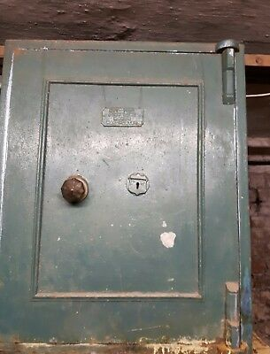 Antique Floor Safe. Some Rust. Cast Iron. With Key.