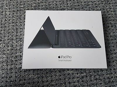 Genuine official Apple iPad Pro  Smart Keyboard 9.7'' QWERTY MM2L2ZM/A A1772