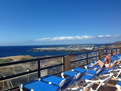 Holiday  Tenerife Sea front - free wifi (available for long term renta)