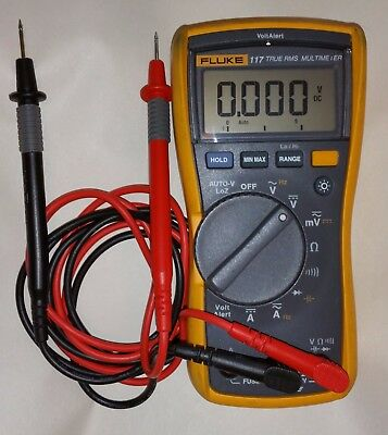Fluke 117 True RMS digital multimeter