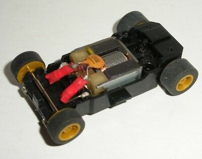 MICRO Scalextric - Rolling Chassis Black - Wide (Goldish Wheels)