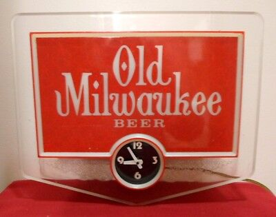 Nice Vintage Old Milwaukee Beer Clock With Lighted Sign Working