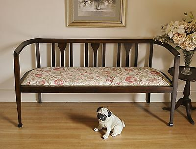 Elegant Antique Edwardian 2.5 Seater Curved End Settee / Daybed / Sofa / Couch