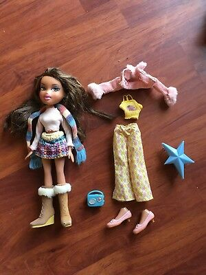 RARE Bratz yasmin** world campfire doll Winter Adventure
