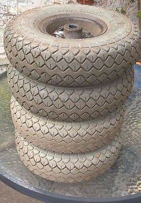 Vanos GalaxyExcel Set of solid tyres including centres and nuts