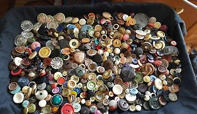 Estate Mixed Unsorted Lot 1 1/2 Pounds Antique Vintage Collectible Buttons