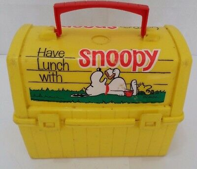 Vintage 1968 Plastic Yellow Snoopy Peanuts - Lunch Box & Thermos       -SH