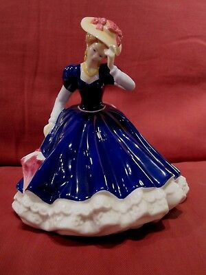 Beautiful Retired Royal Doulton Figurine Of The Year 2006 Entitled Mary Hn4802